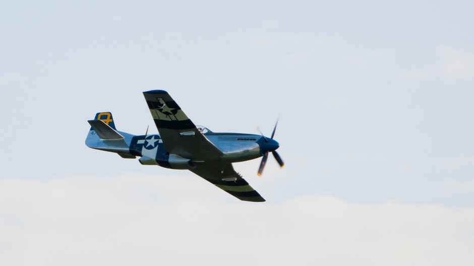 North American P-51D Mustang (G-SIJJ, 472035, cn 122-31894) 'Jumpin-Jacques'