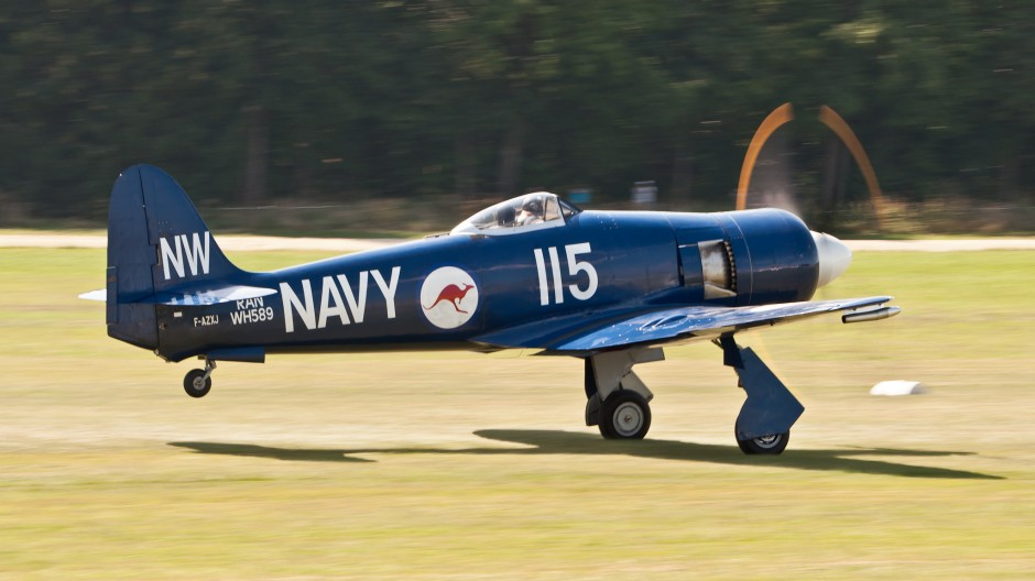 Hawker Sea Fury FB 10 (F-AZXJ, cn 37733) taking off